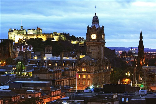 Why you should consider moving to Edinburgh to work
